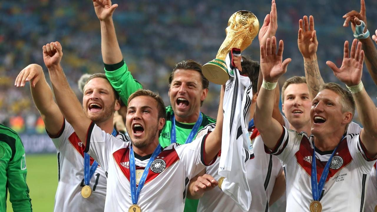 Jogadores da Alemanha celebram o título da Copa do Mundo de 2014