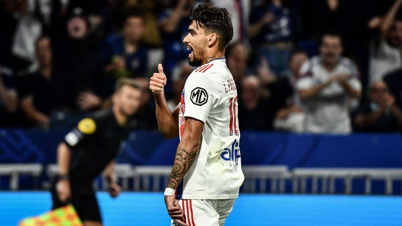Lucas Paquetá comemora gol do Lyon