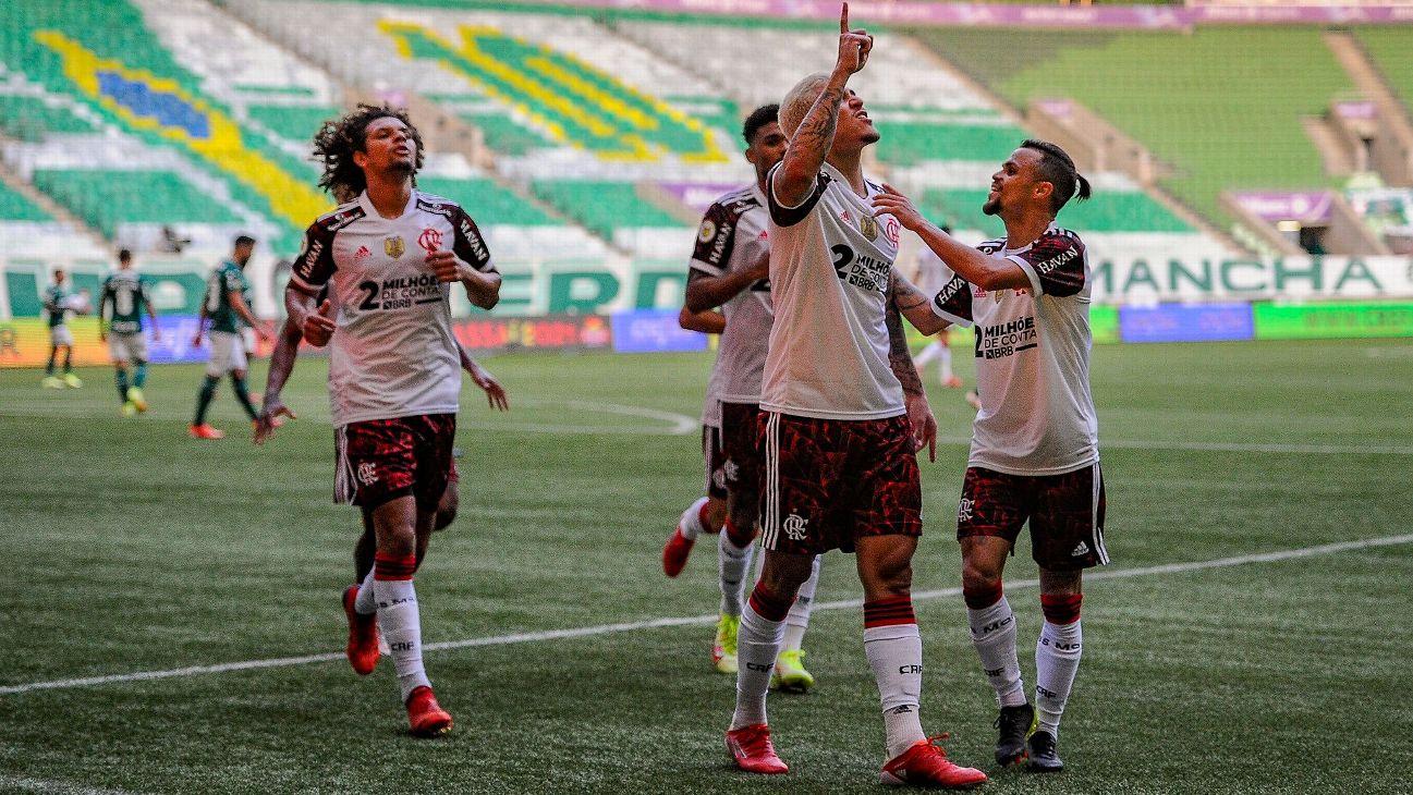 Pedro comemora após marcar para o Flamengo sobre o Palmeiras