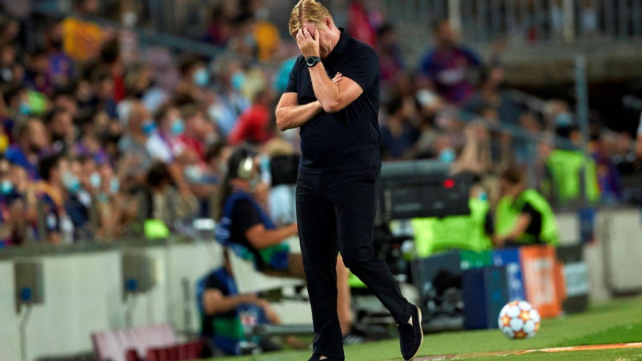 Ronald Koeman lamenta durante jogo entre Barcelona e Bayern, pela Champions