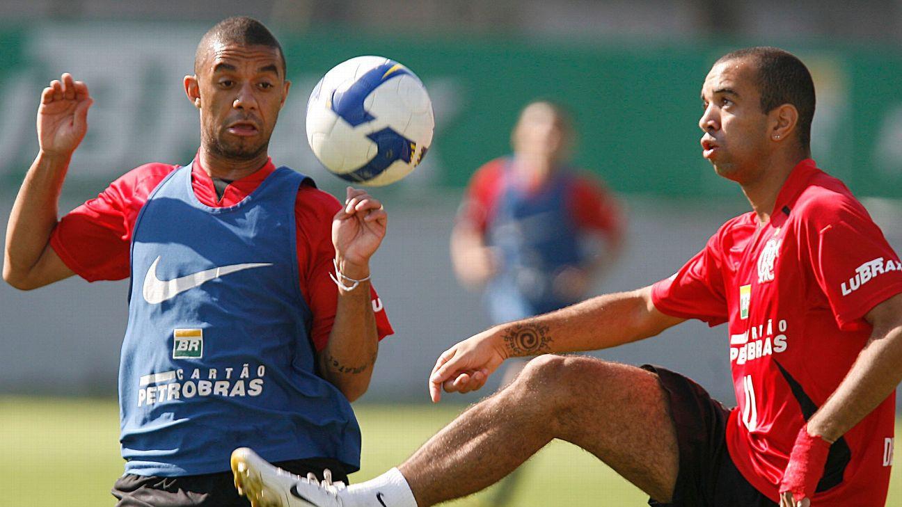 Cristian e Diego Tardelli durante treinamento do Flamengo na Gávea em 2008